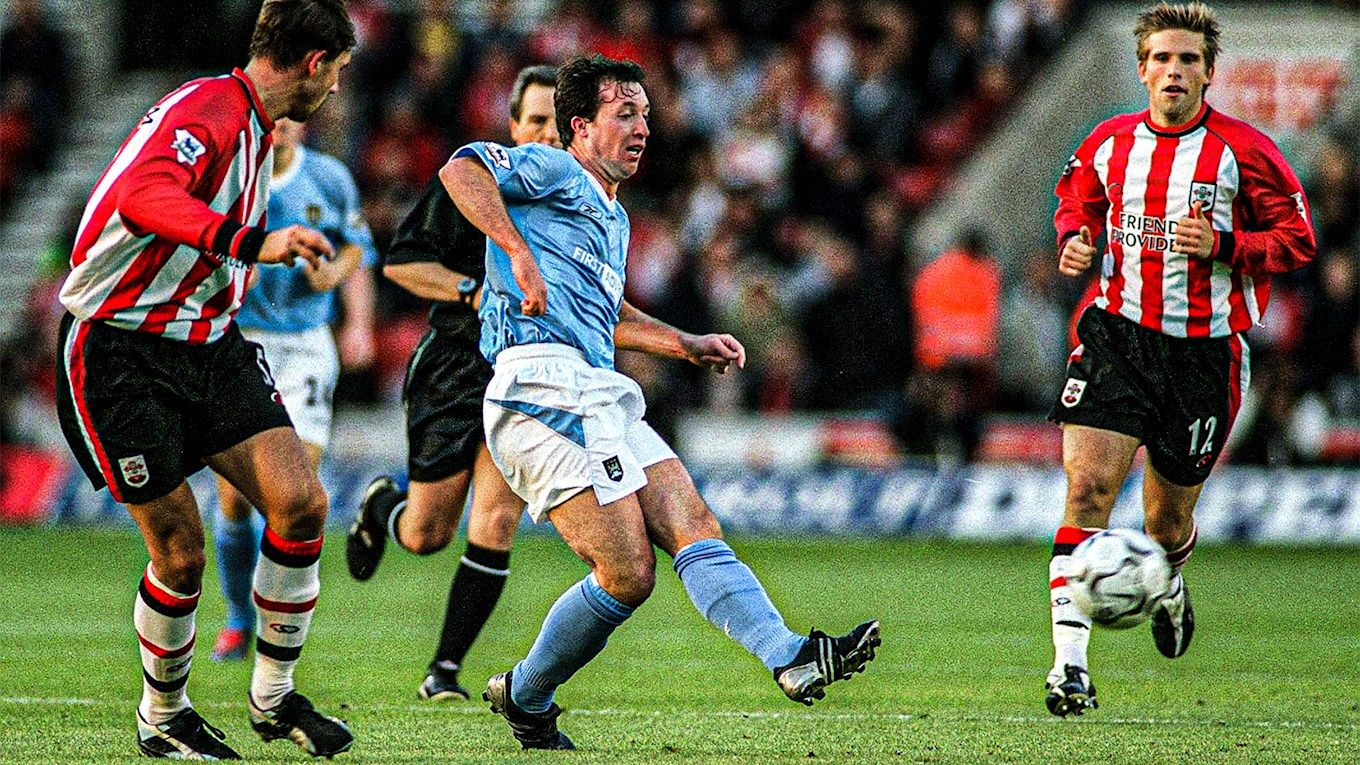 Robbie Fowler fires home against Southampton