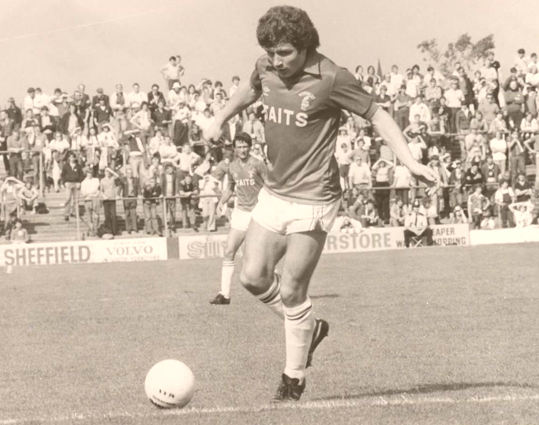 Ronnie Glavin in action
